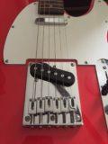 ユウくん・ギターを練習中